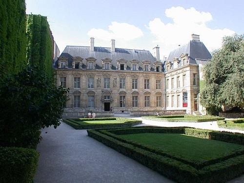 Hôtel de Sully dans le Marais ©  Riggwelter - GFDL