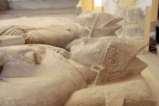 Tombeaux de saint Odilon et saint Mayeul © Mangouste35 —CC BY-SA 3.0